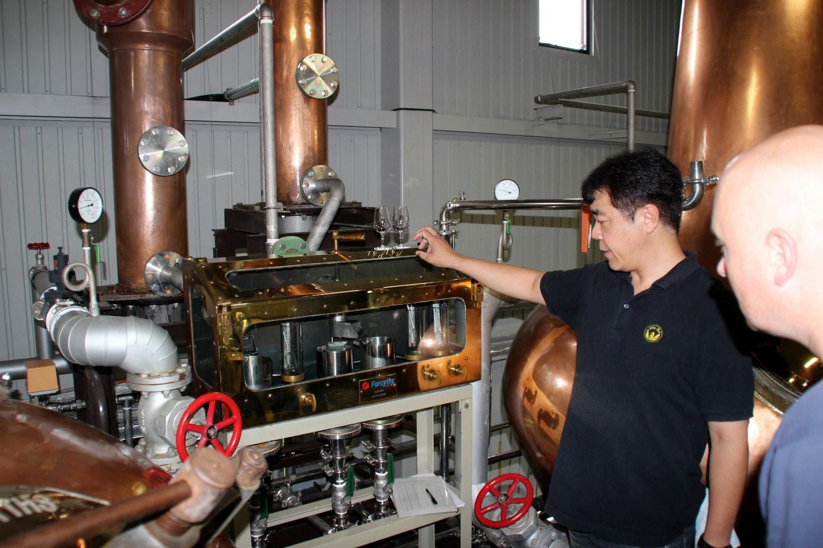 Mr. Ichiro zeigt uns seine Anlage