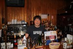 Shinji in seiner Bar